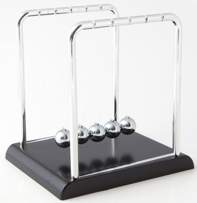 Giant Newton's Cradle