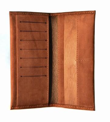 Luxe portefeuille van Nubuck leer met houten insert