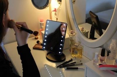 Touch Screen Make-Up Spiegel met LED verlichting - Zwart